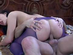 April B & Frederic awesome anal video